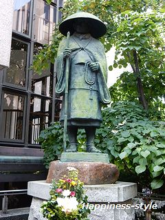 六角堂内・親鸞聖人像