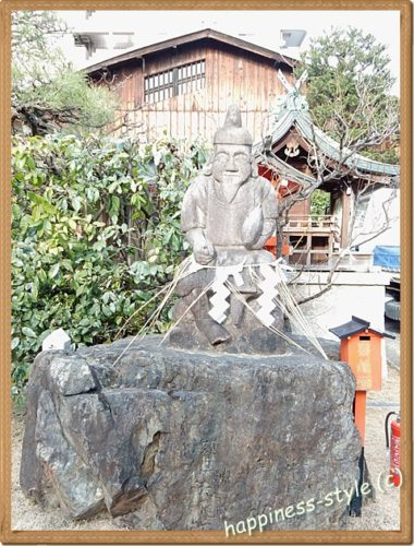 京都えびす神社内の恵比須様像